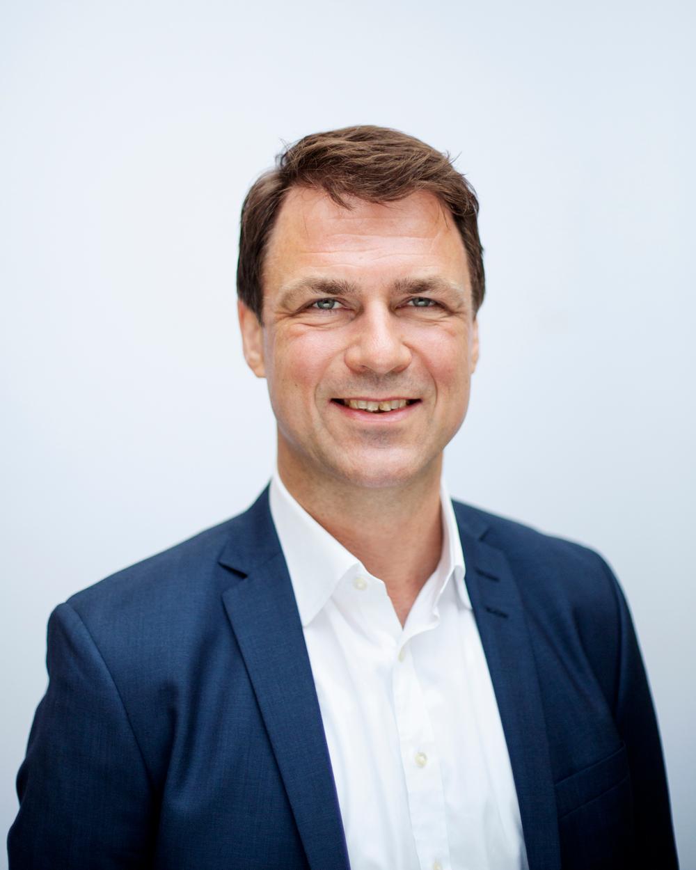 Lars B Rasmussen